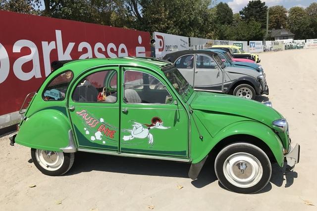 Clubtreffen 70 Jahre Citroen 2 CV - Hässliche Entlein und stolze Schwäne
