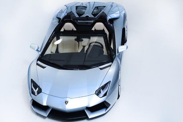 Lamborghini Aventador LP 700-4 Roadster - Offener Tiefflieger