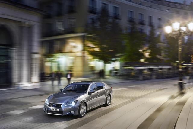 Lexus GS 300h - Downsizing in eigenen Reihen (Kurzfassung)