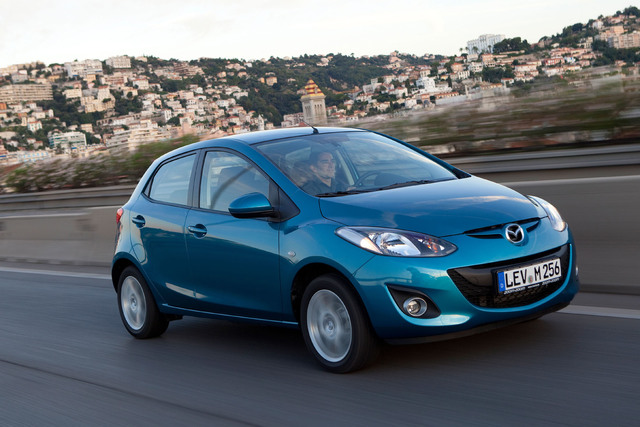 Mazda2 und Mazda3 - Dezent verbessert ins neue Jahr