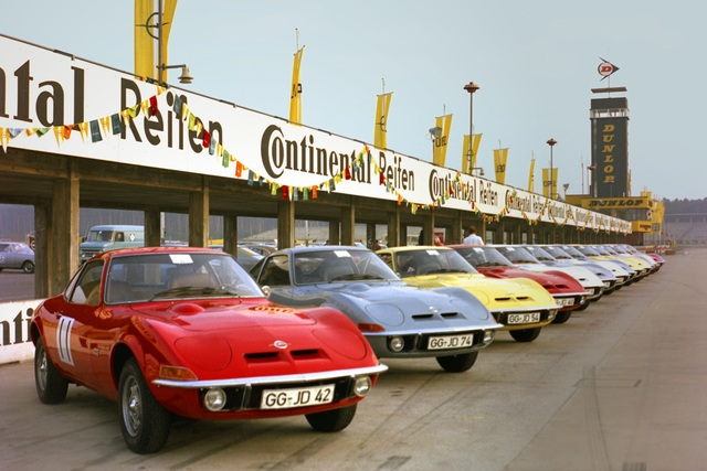 Tradition: 50 Jahre Opel GT - Bitte anschnallen!