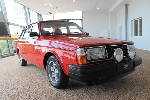 40 Jahre Volvo 240 Turbo vs. Saab 99/900 Turbo - Als Trolle den Turbo-Hammer schwangen