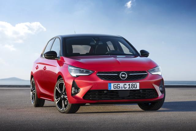 Opel Corsa - Mit Blitz und Matrixlicht