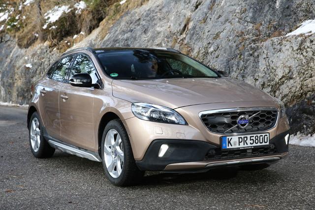 Volvo V40 - Neuer Einstiegsbenziner und Basis-Allrader