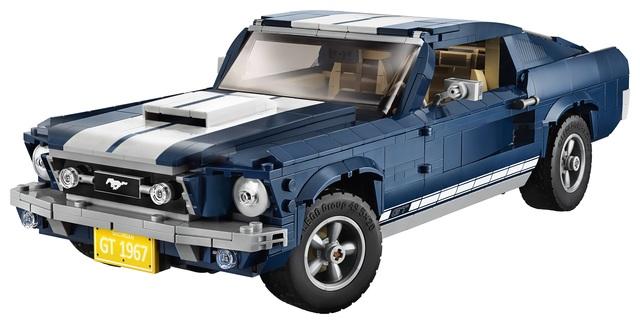 Ford Mustang GT Fastback von 1967 als Lego-Modell - Ponycar aus Plastik