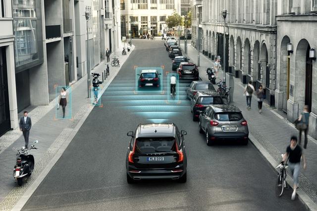 City-Notbremsassistent wird Pflicht - Ab 2022 stoppt das Auto bei Unfallgefahr