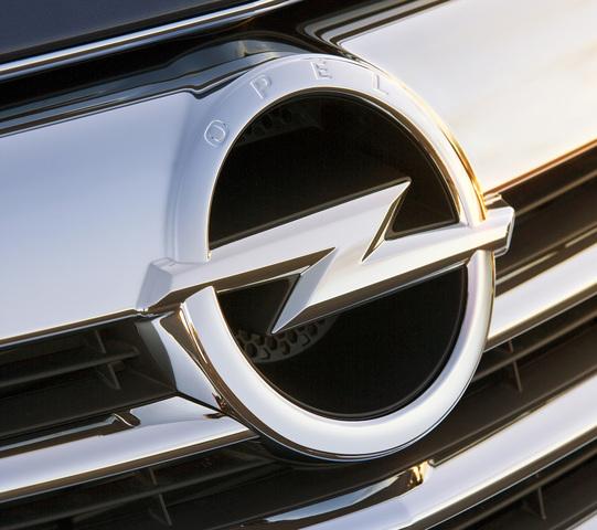 Potz Blitz: Opel wehrt sich gegen Abmahnung wegen lebenslanger Garantie