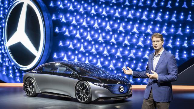 IAA: Mercedes EQS - Viel Licht und feine Linien