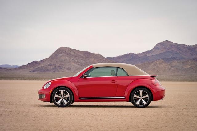 VW Beetle Cabriolet - Frühlings-Krabbler  (Kurzfassung)