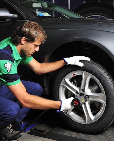 Ratgeber: Sommerreifenwechsel - An die Reifen, fertig - los