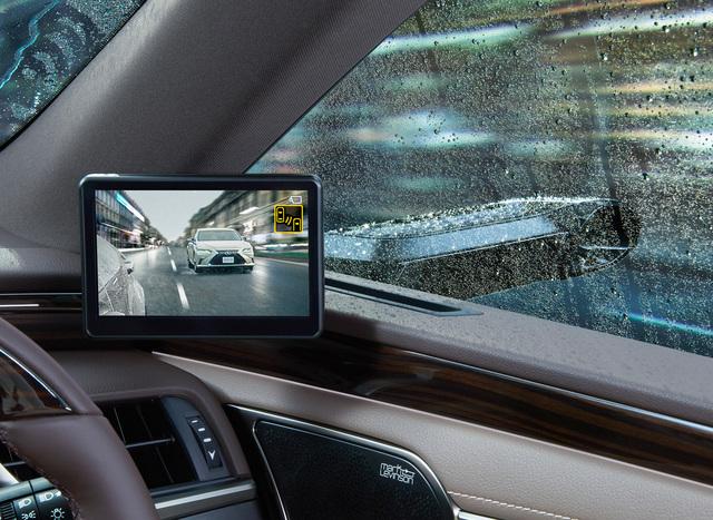 Lexus gewinnt Innovationsrennen - Außenspiegel-Kameras debütieren in Japan