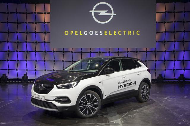 Opel Corsa-e und Grandland X Hybrid4 - Doppelte Elektro-Weltpremiere