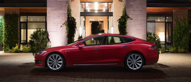 Tesla positioniert Model S neu - Neue Basis