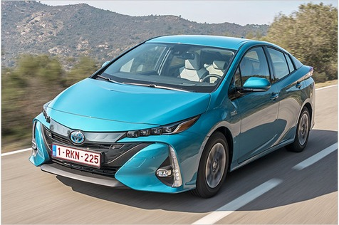 Neuer Toyota Prius Plug-in Hybrid im Test mit technischen Daten und Preis zur Markteinführung