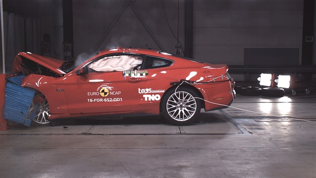 EuroNCAP-Crashtest - Fünf Sterne für Volvo, zwei für Ford