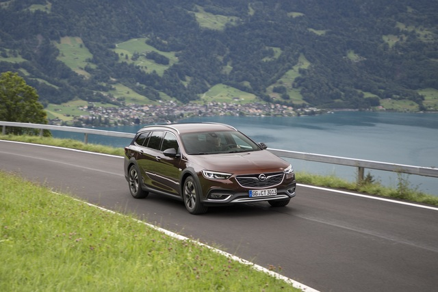 Opel Insignia  - Mit stärkerem Benziner