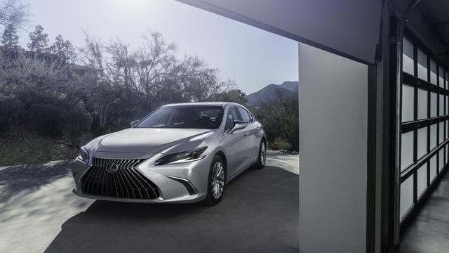 Lexus ES - Dezentes Facelift