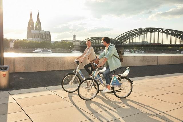 Kölner Autohersteller baut Mobilitätsdienste aus - Fahrräder von Ford