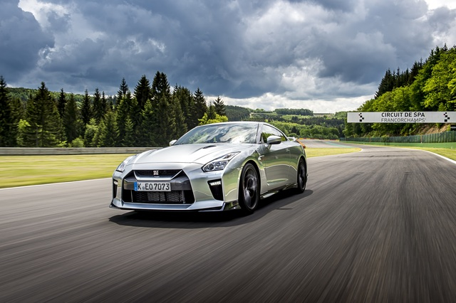 Fahrbericht: Nissan GT-R - Godzilla brüllt weiter