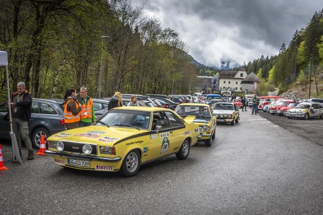 Panorama: Unterwegs mit einem Opel Kadett B Coupé von 1971  - Mal kalt, mal heiß, aber immer gut gelaunt