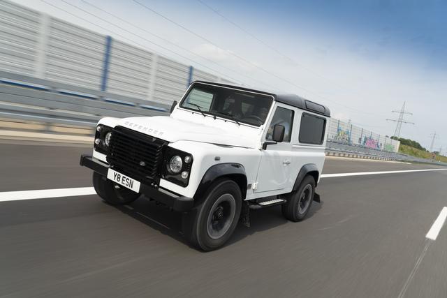 Land Rover Defender Works V8 - Mit Spenderherz vom Rentner zum Raser