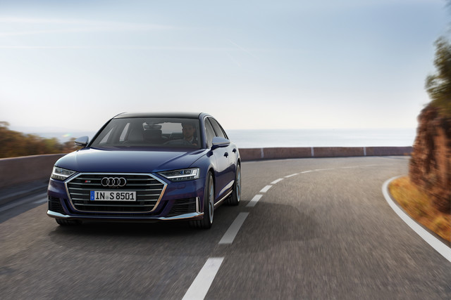 Audi S8 - Das Flaggschiff bleibt beim Benziner