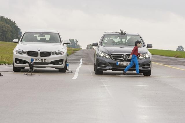 ADAC testet Fußgängerschutz-Assistenten - Überraschend ausgereift