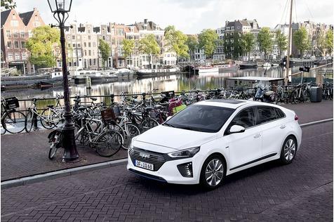 Hyundai Ioniq Hybrid und Electric - Koreanischer Leisetreter