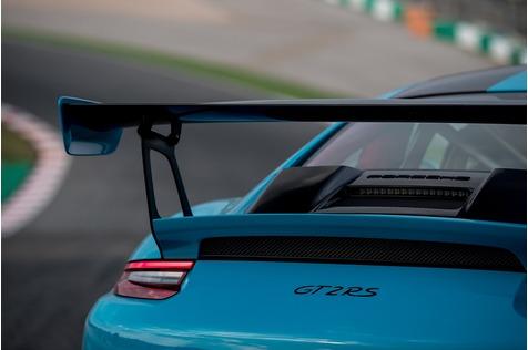 Porsche 911 GT2 RS - König der Löwen