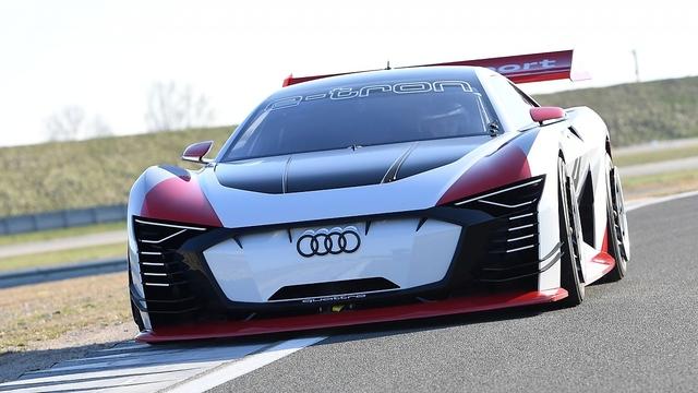 So fährt der Audi e-tron Vision Gran Turismo - Stempeln bis der Arzt kommt