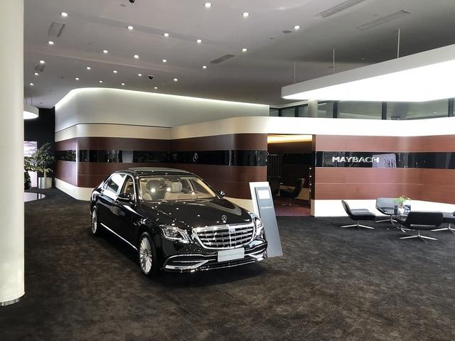 Zu Besuch im Maybach- / AMG Luxusautohaus - Verteilungsprozeß