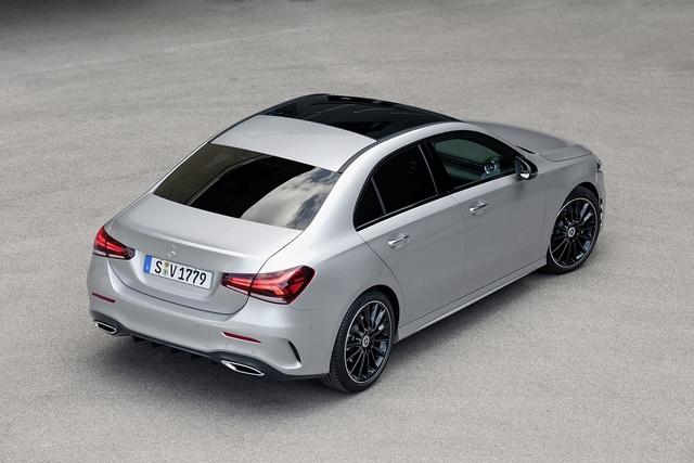Mercedes A-Klasse Limousine - Stufenlösung