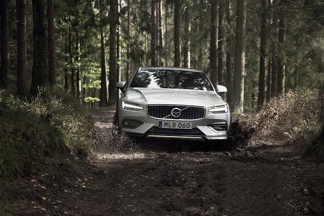 Volvo V60 Cross Country - Schweden-Hochsitz