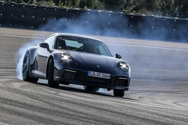 Porsche 911 der Baureihe 992 - Feinschliff für den Klassiker