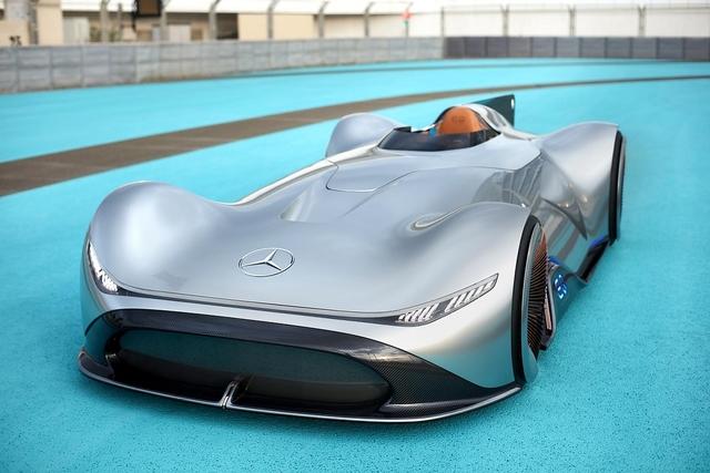 Mercedes Vision EQ Silver Arrow - Elektropfeil