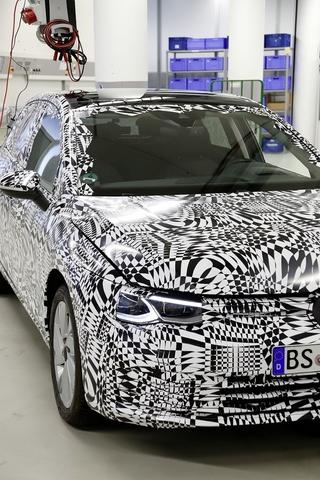 Das kann der VW Golf 8 - Tief verbunden