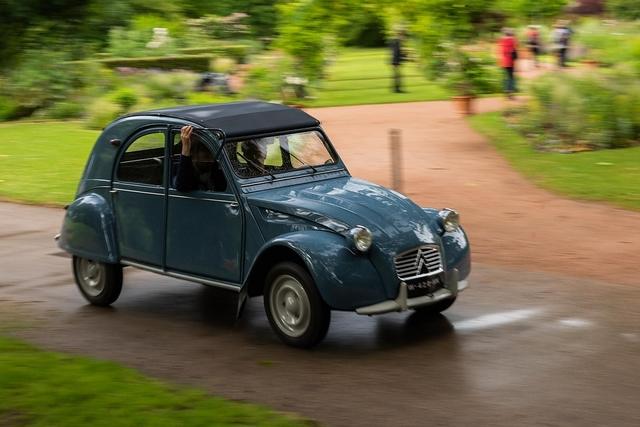 Autoklassiker: Citroën 2 CV - Döschewuppdich