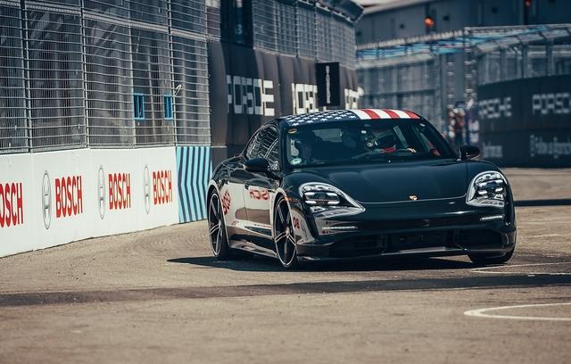 So fährt der Porsche Taycan - Große Erwartungen