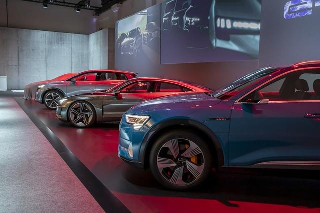 Audis Elektrostrategie - Aus vier mach' zwei!