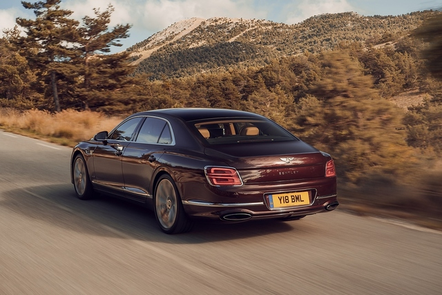 Bentley Flying Spur 6.0 W12 - Brexit-Panamera