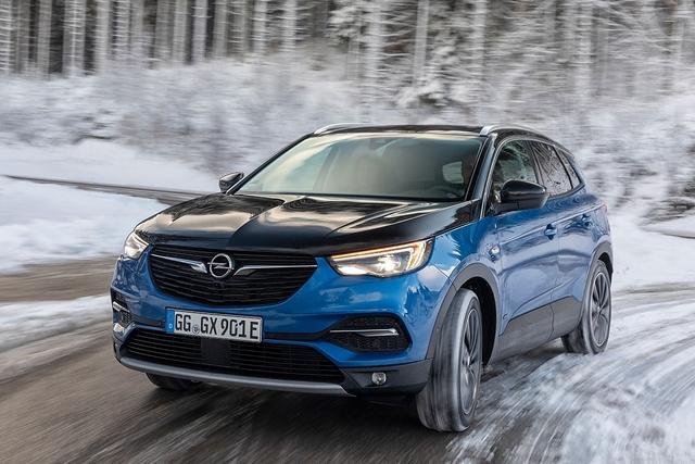 Opel Grandland X Hybrid4 - Blaulicht