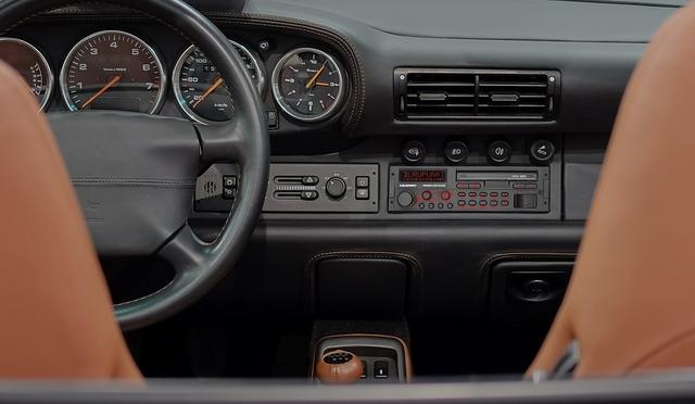 Top-Autoradios für Old- / Youngtimer - Zurück in die Zukunft