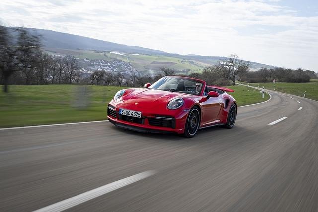 Porsche 911 Turbo S Cabriolet - Lufthoheit