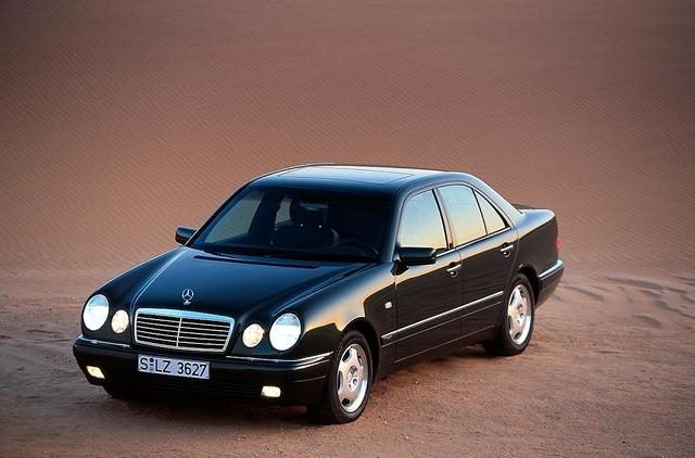 25 Jahre Mercedes E-Klasse W 210 - Augenquartett