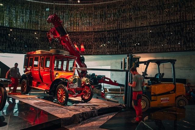 Ausbringung Mercedes Jellinek Reisewagen - Koloss auf Abwegen