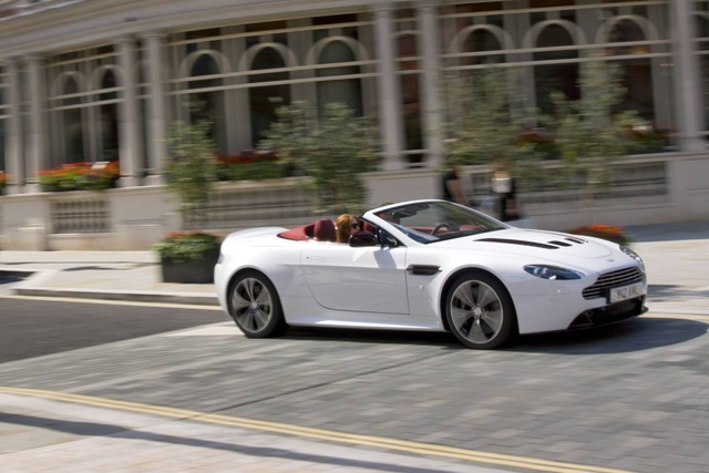 Aston Martin Vantage Roadster - Zwölf Zylinder für den Edel-Briten