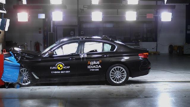 EuroNCAP-Crashtest  - Fünf Sterne für 5er, drei für Doblo
