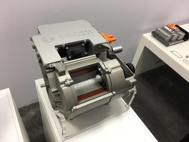 Bosch E-Achse - Aus drei mach eins