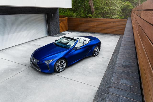 Lexus LC Cabriolet Sondermodell   - Blau-weiße Impressionen
