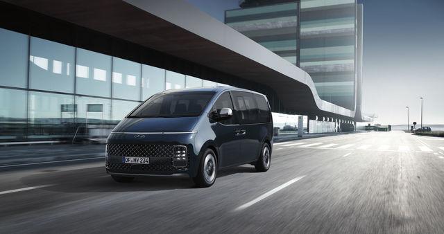 Hyundai Staria   - Luxuriöser Start des Multivan-Konkurrenten
